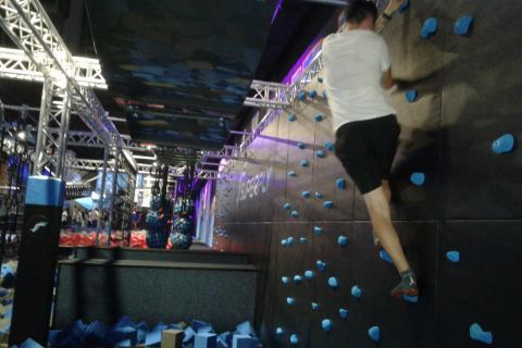 alternative Stadtführung Trampolinpark Superfly Dresden