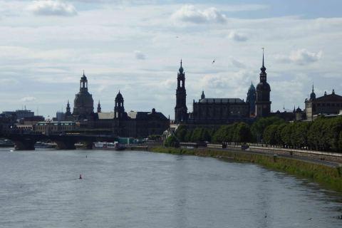 Dresden Stadtansicht Elbe Stadtführung Altstadt Architektur